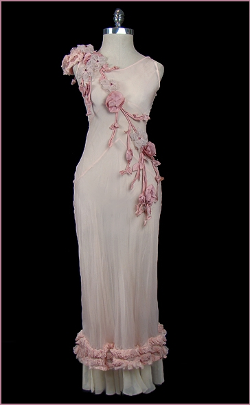 Bridal_page1_clothes_01